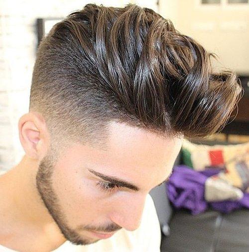 hombre peinado cabello largo arriba corto lados